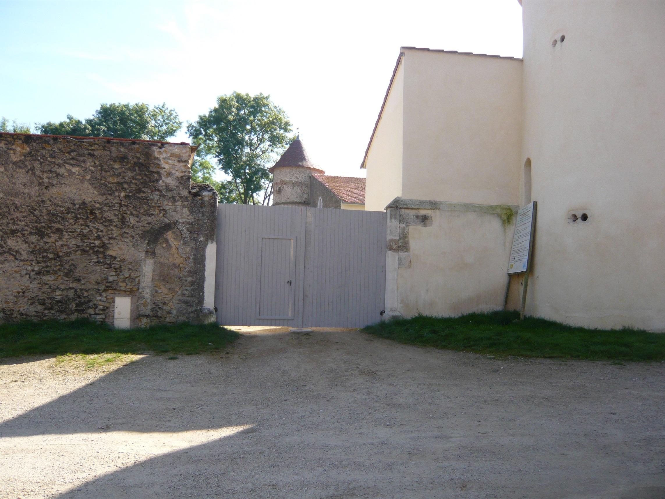 Entrée porche de château