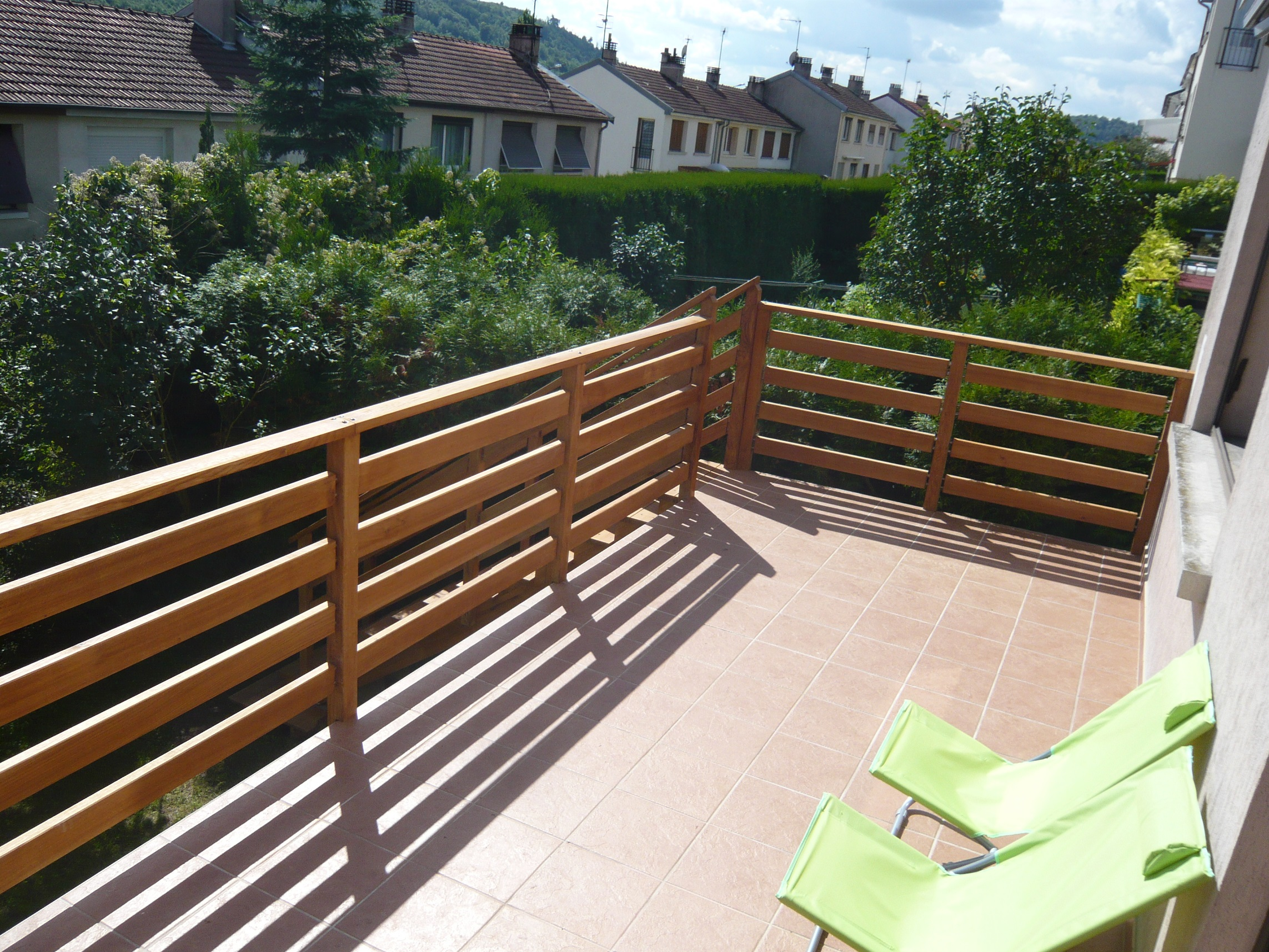 balustrade en bois pour terrasse id e int ressante pour la conception de meubles en bois qui. Black Bedroom Furniture Sets. Home Design Ideas