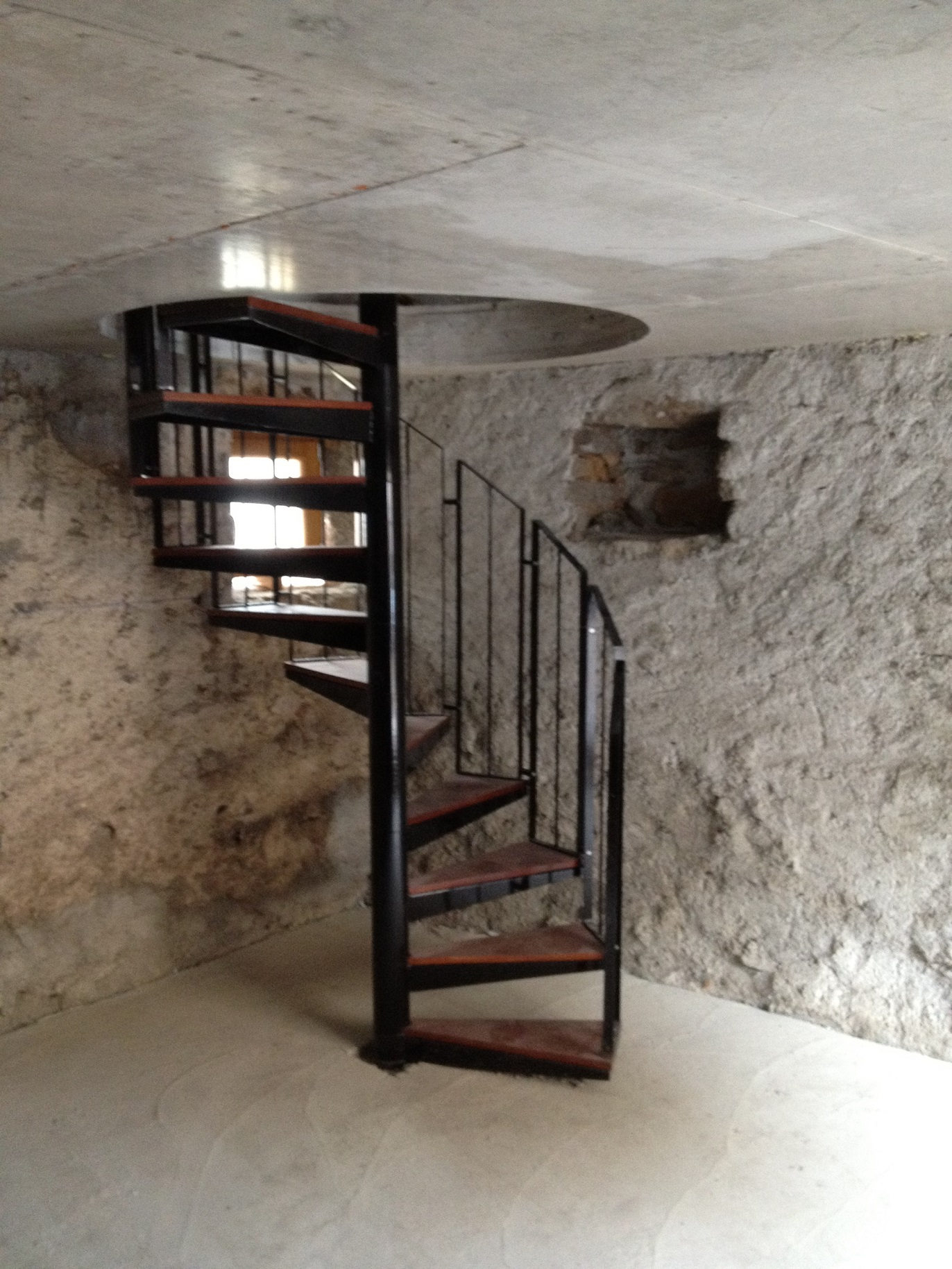 Menuiserie bourcy escalier colima on de cave for Amenager escalier interieur
