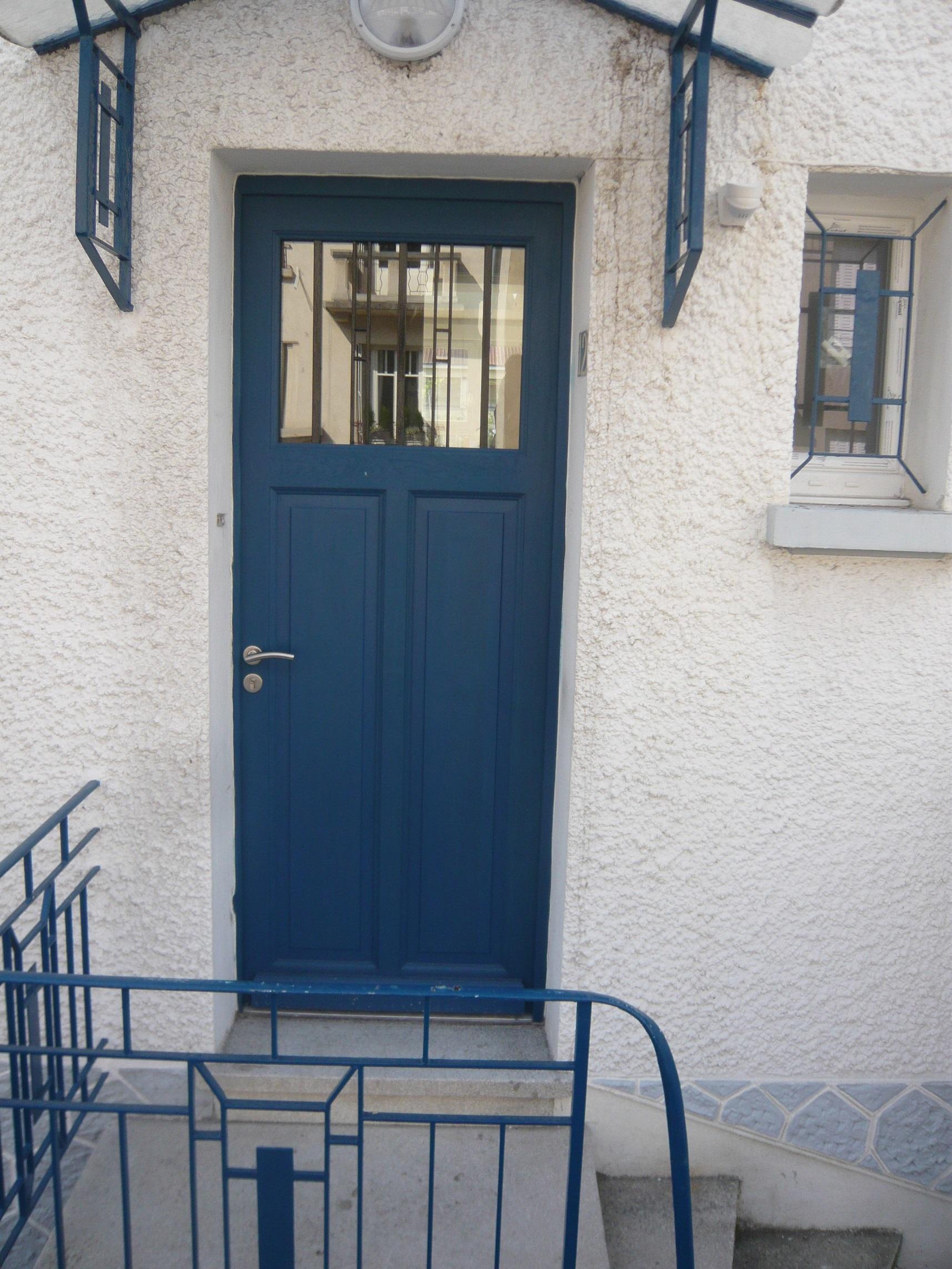 Porte d'entrée bleue