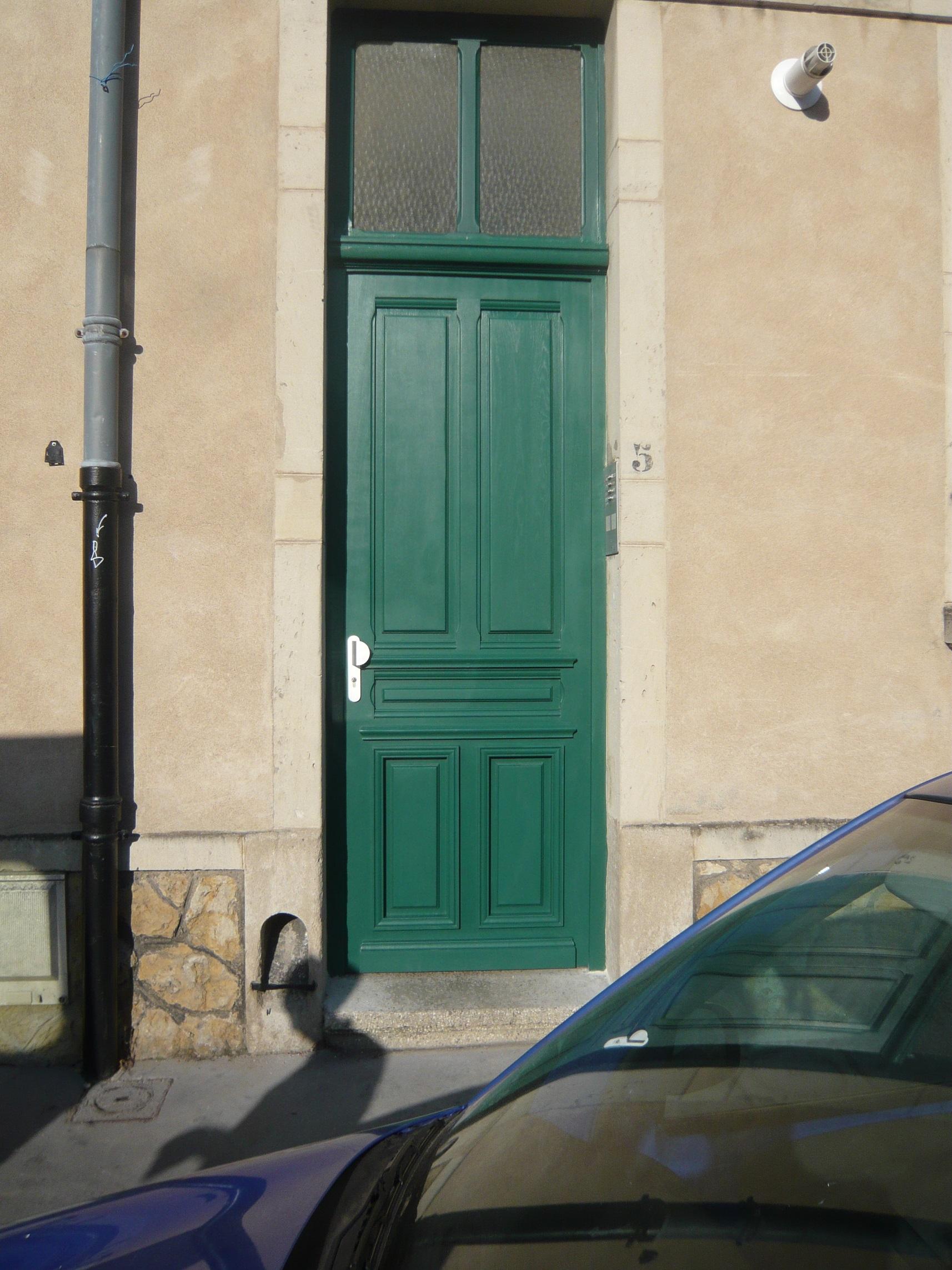 Porte d'entrée verte